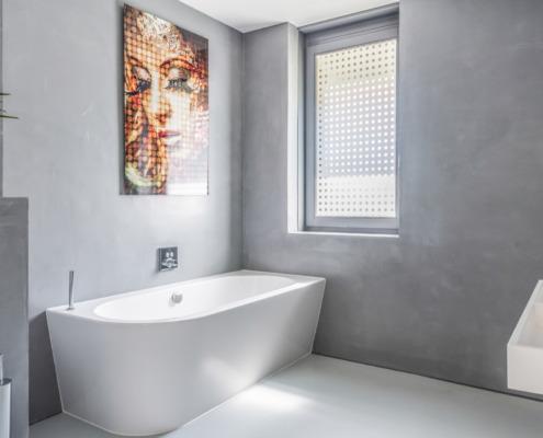 Betonlook stucwerk in badkamer in Driebergen